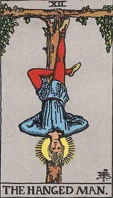 タロットカード「12:吊された男」の意味と解釈【恋愛・復縁・片思い占い方法】